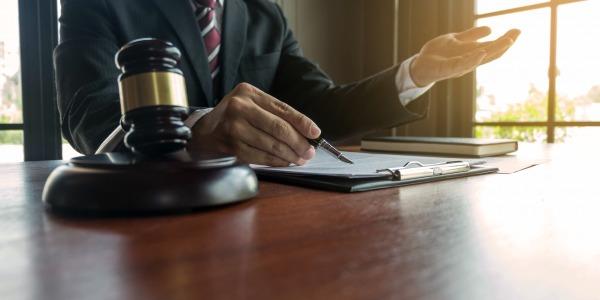 Conseiller clientèle et personnel d'accueil : quelles précautions prendre contre le COVID-19 ?