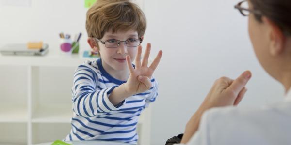 Orthophonie : les séances (totalement) remboursées y compris à l'école !